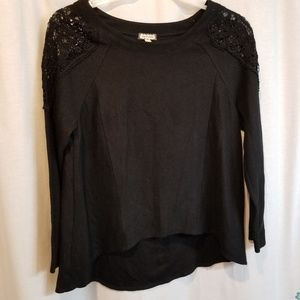 Eyeshadow black lace shoulder sweatshirt